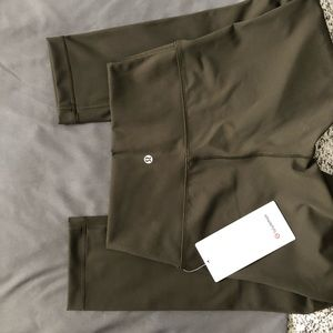 WU crop Dark Olive